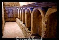 Troina: Chiesa del Santissimo Sacramento: Interno: Cripta cimiteriale nota con il Nome di Colatoi.   - Troina (4809 clic)
