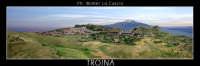 Troina: Panorama del paese di Troina. Sullo sfondo l'Etna.   - Troina (2302 clic)
