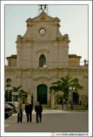 Santa Caterina Villarmosa: Chiesa Madre Immacolata concezione. Particolare del prospetto principale e piazza antistante.  - Santa caterina villarmosa (9097 clic)