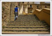 Agira, Agosto 2005. Scalinata in Via Cairoli, nei pressi del Cinema Marconi.  - Agira (3197 clic)