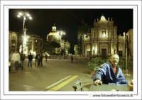 Catania: Piazza Duomo by night.  Techne  - Catania (3178 clic)