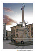 Catania: L'elefante, U LIOTRU, simbolo di Catania in Piazza Duomo. Techne  - Catania (3499 clic)