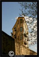 Caltanissetta. Palazzo in Via XX Settembre. Strano palazzo in via XX Settembre. #2  - Caltanissetta (2785 clic)