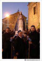 Agira: Pasqua 2005. La Festa del L'incontro, sulla piazza antistante la Chiesa del Ss Salvatore.  - Agira (3035 clic)