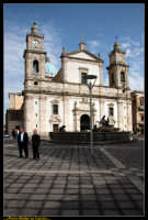 Caltanissetta: La Nuova Piazza Garibaldi a Caltanissetta dopo gli interventi di manutenzione straordinaria. Foto Walter Lo Cascio www.walterlocascio.it  - Caltanissetta (5335 clic)