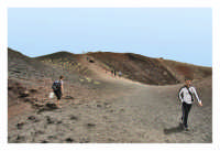 Nicolosi: Etna, turisti a spasso fra i vulcani  - Nicolosi (1792 clic)