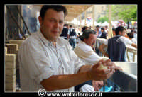 Vizzini: SAGRA DELLA RICOTTA E DEL FORMAGGIO. Edizione 2007. Lavorazione del formaggio.  - Vizzini (1809 clic)