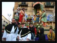Caltanissetta. Settimana Santa a Caltanissetta. Anno 2006. Giovedi' Santo a Caltanissetta.  Processioni, gruppi sacri, maestranza, giovedi santo, Biangardi, vare, vara, Pasqua, Caltanissetta.   - Caltanissetta (2661 clic)