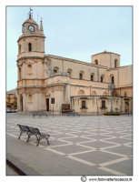 Floridia: Piazza del popolo. Chiesa Madre.  - Floridia (5379 clic)