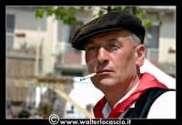 Vizzini: SAGRA DELLA RICOTTA E DEL FORMAGGIO. Edizione 2007. Uomo vestito con abiti folkloristici Siciliani.  - Vizzini (6261 clic)