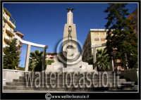 San Cataldo. Monumento ai caduti #2. Foto di Walter Lo Cascio www.walterlocascio.it  - San cataldo (3604 clic)
