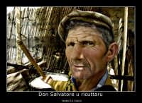 Vizzini: Sagra del Formaggio e della ricotta. Edizione 2007. Don Salvatore u ricuttaru. Don Salvatore alle prese con la lavorazione delal ricotta.  - Vizzini (2849 clic)