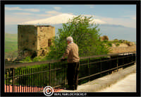 Agira. Panorama da Agira verso L'Etna. Quartiere SS. Salvatore. Belvedere di Agira.  - Agira (3070 clic)