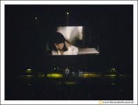 Acireale: 20 Febbraio 2005 Palasport di Acireale, concerto di Laura Pausini, dal Tour Resta in ascolto. Unico Tour in Siclia della cantabnte.  - Acireale (3030 clic)