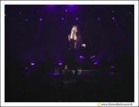 Acireale: 20 Febbraio 2005 Palasport di Acireale, concerto di Laura Pausini, dal Tour Resta in ascolto. Unico Tour in Siclia della cantante.  - Acireale (2573 clic)