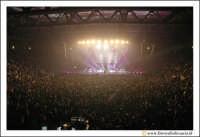 Acireale: 20 Febbraio 2005 Palasport di Acireale, concerto di Laura Pausini, dal Tour Resta in ascolto. Unico Tour in Siclia della cantante.  - Acireale (10879 clic)