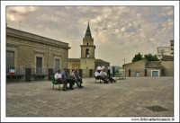 Agira, Agosto 2005. Festa del Patrono di Agira, San Filippo. Attesa del passaggio del Santo. Color.  - Agira (2376 clic)