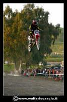 San Cataldo Nuovo crossodromo, sito in Contrada Mimiani vicino alla Stazione Ferroviaria. Motocross, motociclette, acrobazie in motocicletta, moto cross. Domanica 16 Marzo 2008.  - San cataldo (1663 clic)