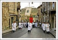 Agira, Agosto 2005. Festa del Patrono di Agira, San Filippo. Fedeli in processione.  - Agira (2461 clic)