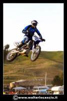 San Cataldo Nuovo crossodromo, sito in Contrada Mimiani vicino alla Stazione Ferroviaria. Motocross, motociclette, acrobazie in motocicletta, moto cross. Domanica 16 Marzo 2008.  - San cataldo (1550 clic)