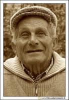 Cerda: Sagra del Carciofo 25 Aprile 2005. Ritratto ad anziano cerdese (Photo seppiata #2).  - Cerda (3040 clic)
