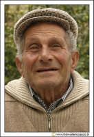 Cerda: Sagra del Carciofo 25 Aprile 2005. Ritratto ad anziano cerdese (Photo color #2).  - Cerda (3139 clic)
