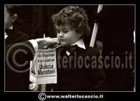 Caltanissetta: Settimana Santa a Caltanissetta edizione 2008. Mercoledi' Santo a Caltanissetta. Il Capitano della Real Maestranza. I bambini della Real Maestranza di Caltanissetta.    - Caltanissetta (1385 clic)