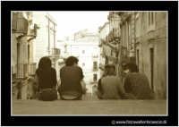 Catania: Ragazzi sulle scale.  - Catania (3403 clic)