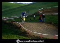 San Cataldo Nuovo crossodromo, sito in Contrada Mimiani vicino alla Stazione Ferroviaria. Motocross, motociclette, acrobazie in motocicletta, moto cross. Domanica 16 Marzo 2008.  - San cataldo (1480 clic)