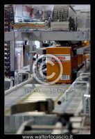 Caltanissetta: Reportages fotografico all'interno dell'industria Fratelli AVERNA SPA. Amaro Averna Stabilimenti in Caltanissetta c.da Xiboli. Interno dello stabilimento industriale Averna. Reparto imbottigliamento e confezionamento. Foto Walter Lo Cascio www.walterlocascio.it   - Caltanissetta (1650 clic)