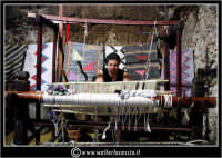 Sperlinga. Il telaio per tessere i tappeti artigianali.   - Sperlinga (3735 clic)
