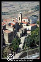 Sperlinga. Veduta aerea del paese. Sullo sfondo la chiesa Madre.  - Sperlinga (4686 clic)