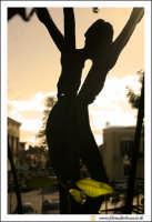 Acireale: Oratorio della Chiesa di San Biagio. Statua bronzea del Crocifisso, stilizzata.  - Acireale (2010 clic)
