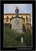Catania: La statua al cardinale Dusmet.  - Catania (2128 clic)
