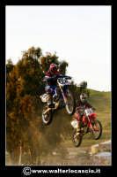 San Cataldo Nuovo crossodromo, sito in Contrada Mimiani vicino alla Stazione Ferroviaria. Motocross, motociclette, acrobazie in motocicletta, moto cross. Domanica 16 Marzo 2008.  - San cataldo (1361 clic)