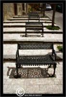 Agira. Quartiere Santa Margherita. Panchine e ombre.  - Agira (1709 clic)