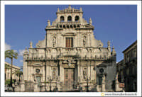 Acireale: Basilica Collegiata S. Sebastiano. Monumento Messaggero di una cultura di pace.  - Acireale (6944 clic)