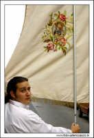 Agira, Agosto 2005. Festa del Santo Patrono San Filippo. Valerio Pelleriti, tiene lo stendardo.  - Agira (3372 clic)