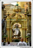 Agira, Agosto 2005. Festa del Santo Patrono San Filippo. San Filippo nei pressi della Chiesa Santa Margherita.  - Agira (3399 clic)