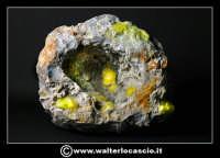 Caltanissetta: Reportage Fotografico sulle miniere. Minerali estratti dalle miniere siciliane. Collezione privata Sig. Zurli Mario.  - Caltanissetta (3225 clic)
