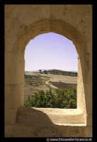 Leonforte. Visione dei campi leonfortesi, da una bucatura della Granfonte.  - Leonforte (6995 clic)