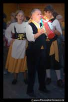 Leonforte. Suonatore di BUMMULU  - Leonforte (7001 clic)