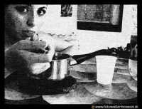 Palermo: Pranzo di una fanciulla palermitana. PALERMO Walter Lo Cascio