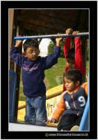 Catania: Villa Bellini. Bambini che giocano al parco giochi.  - Catania (2735 clic)