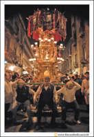Catania: Festa di Sant'Agata. 5 Febbraio 2005: Festa della Patrona di Catania, Sant'Agata. Le Candelore.   - Catania (2854 clic)