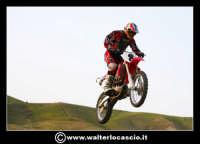 San Cataldo Nuovo crossodromo, sito in Contrada Mimiani vicino alla Stazione Ferroviaria. Motocross, motociclette, acrobazie in motocicletta, moto cross. Domanica 16 Marzo 2008.  - San cataldo (1443 clic)