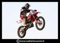 San Cataldo Nuovo crossodromo, sito in Contrada Mimiani vicino alla Stazione Ferroviaria. Motocross, motociclette, acrobazie in motocicletta, moto cross. Domanica 16 Marzo 2008.  - San cataldo (1554 clic)