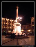 Catania: Piazza duomo. U liotru (l'elefante) by night.  - Catania (2244 clic)