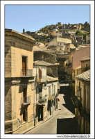 Agira, Agosto 2005. Via Diodorea lato monte.  - Agira (1761 clic)