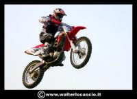 San Cataldo Nuovo crossodromo, sito in Contrada Mimiani vicino alla Stazione Ferroviaria. Motocross, motociclette, acrobazie in motocicletta, moto cross. Domanica 16 Marzo 2008.  - San cataldo (1453 clic)